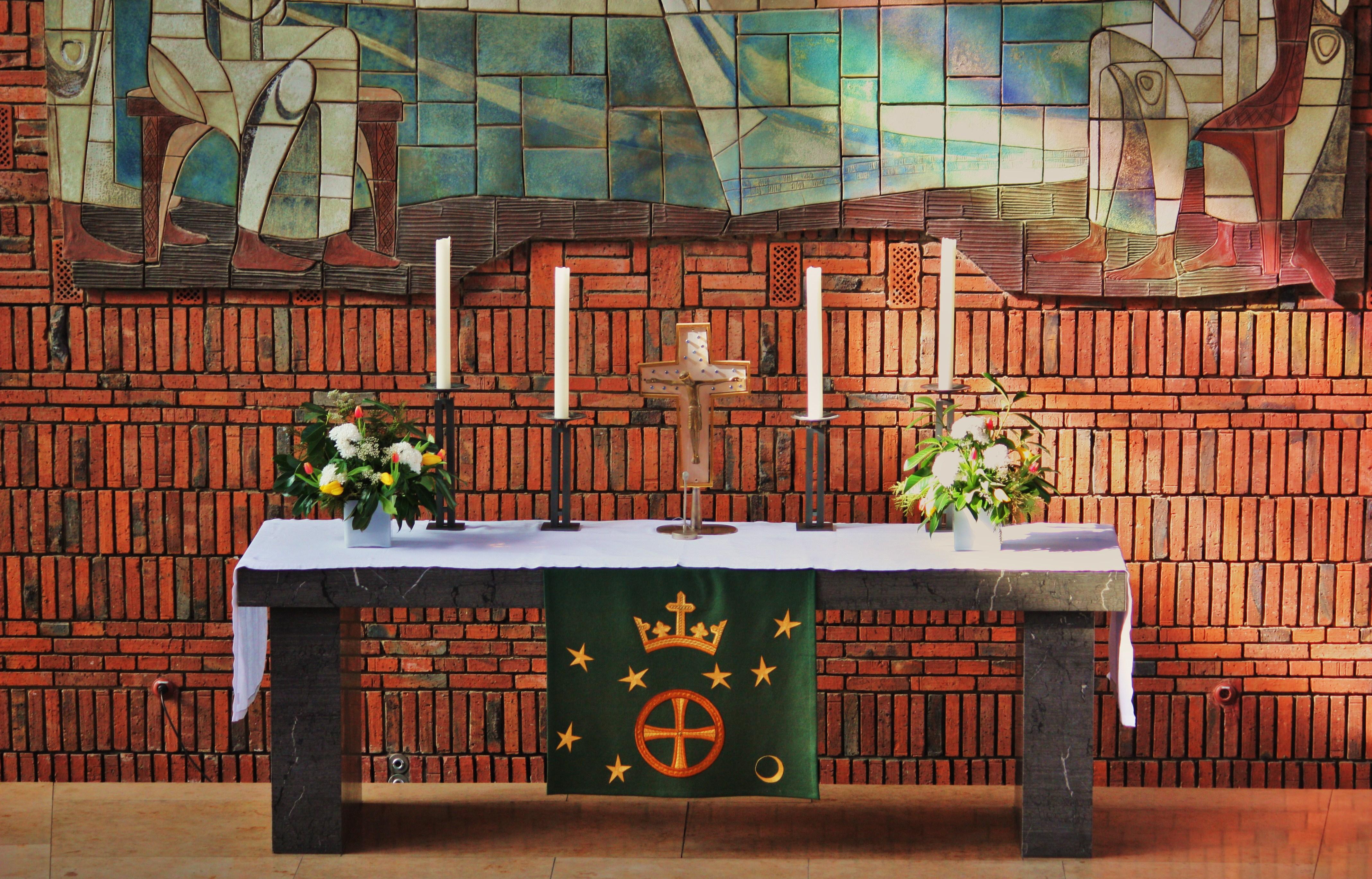 Altar St. Andreas - Kirchengemeinde St. Andreas Nürnberg